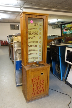 1930 Exhibit Supply Love Tester - US Import