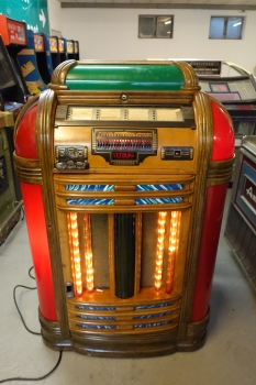 Seeburg Classic Jukebox - US Import
