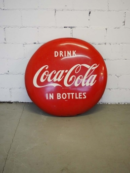 Drink Coca Cola in Bottles Werbeschild Button - US Import