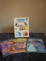 Walt Disney Snow White and Friends - 4 Large Colorful Picture Books / Buch